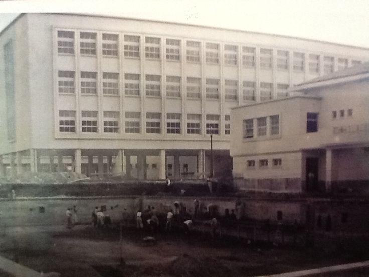 Construção da Piscina do CEP na década de 40.
