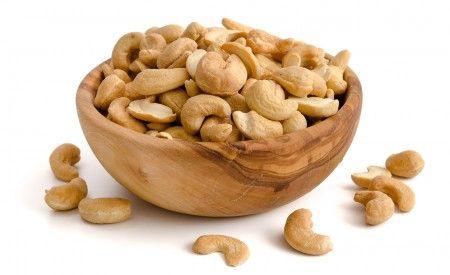 Cashewkerne sind äusserst vitalstoffreiche und wohlschmeckende Kerne. Sie stellen eine gesunde Eiweissquelle dar und können sogar beim Abnehmen helfen.