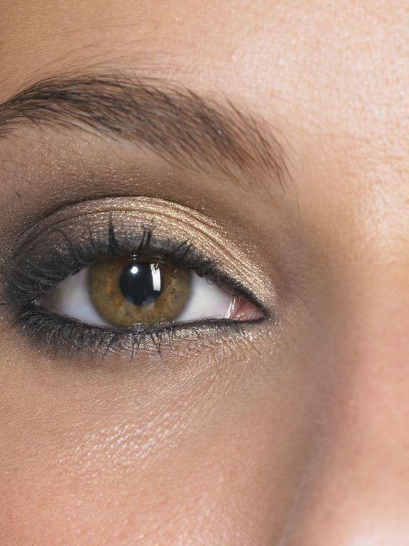 1000 id es sur le th me yeux en amande sur pinterest maquillage pour les yeux d 39 amande forme - Maquiller les yeux marrons ...