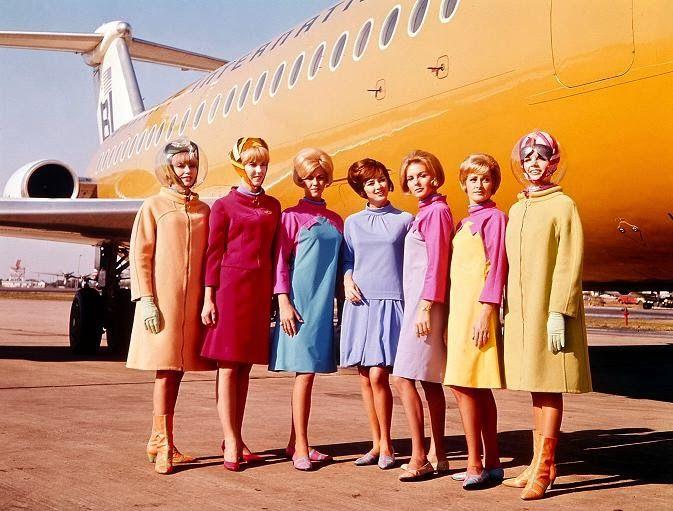 Emilio Pucci Uniforms For Braniff International Airlines' Stripping Hostesses, 1965-73 - Flashbak