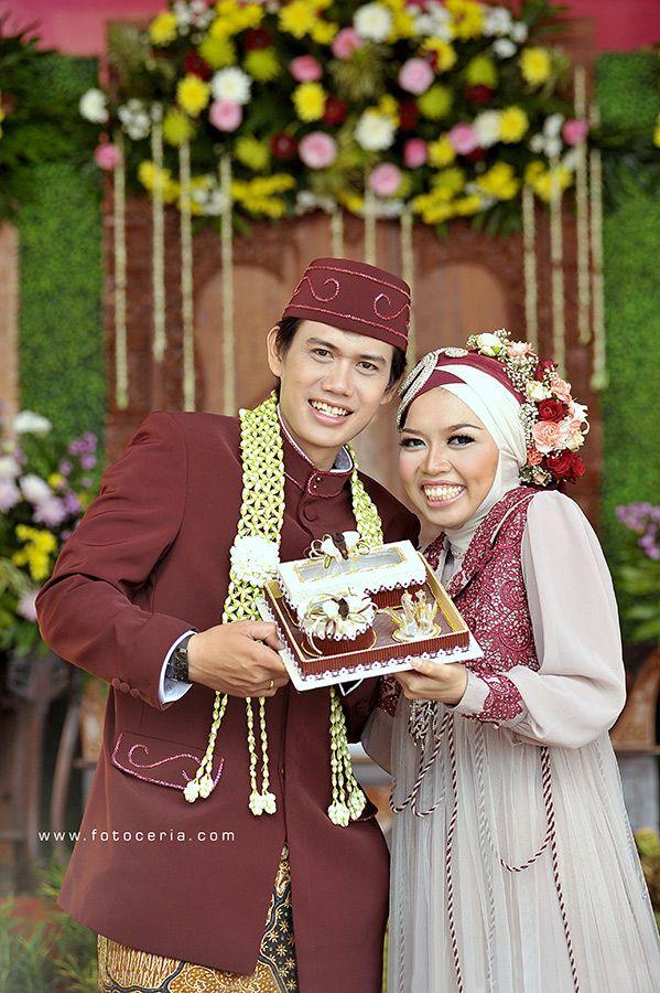 semakin berbahagia ^^ .  Phone & WhatsApp: 0857 0111 1819 . YM & email: foto.ceria@yahoo.com . PIN BB: 2 5 B 3 E 6 8 7 . Facebook: Foto Ceria . LINE & Instagram: fotoceria . Twitter: @Foto Ceria . Website: www.fotoceria.com  . fotoceria prewedding couple wedding pernikahan perkawinan menikah pengantin foto fotografer weddingphotographer Yogyakarta Jogja love happy romantic smile ceria muslim jilbab hijab fotogaya AkadNikah CeriaLovers SharePict