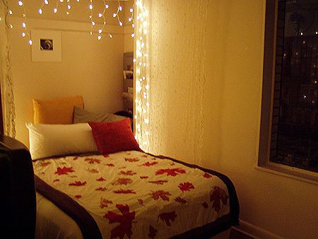 Best 25 string lights bedroom ideas on pinterest string lights dorm teen bedroom lights and for Young woman bedroom and string lights