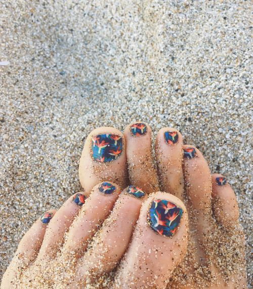 53 best aloha print addict images on pinterest make up beach bird of paradise print toes tropical nail art prinsesfo Choice Image