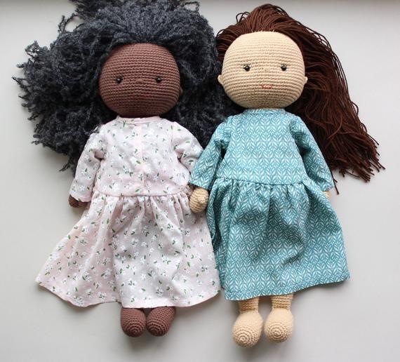 Putting Hair on Crocheted Dolls | | 516x570