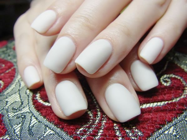 Matte white nails. | Nail Art and Colors | Pinterest ...