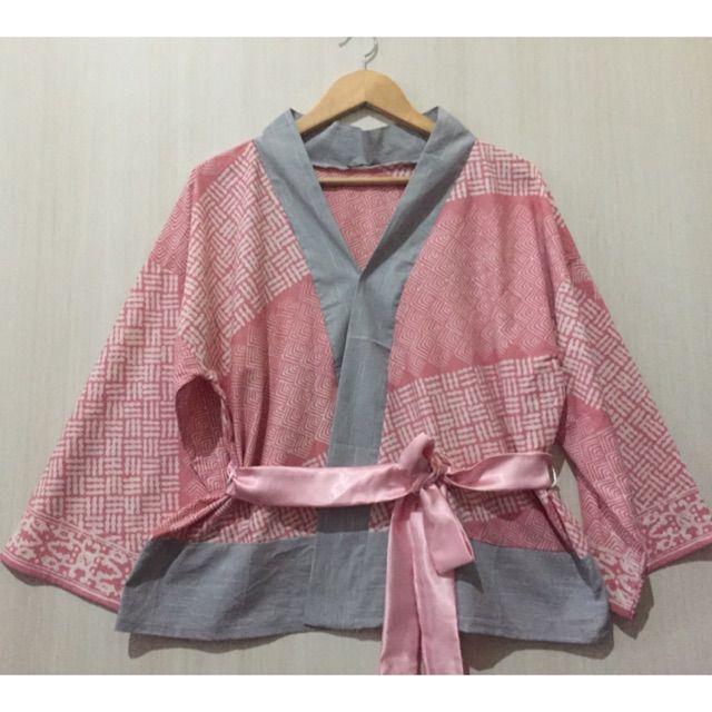 Saya menjual Blouse/outer kimono batik garutan mix lurik Tenun seharga Rp139.000. Dapatkan produk ini hanya di Shopee! https://shopee.co.id/imanggoethnic/474026693 #ShopeeID