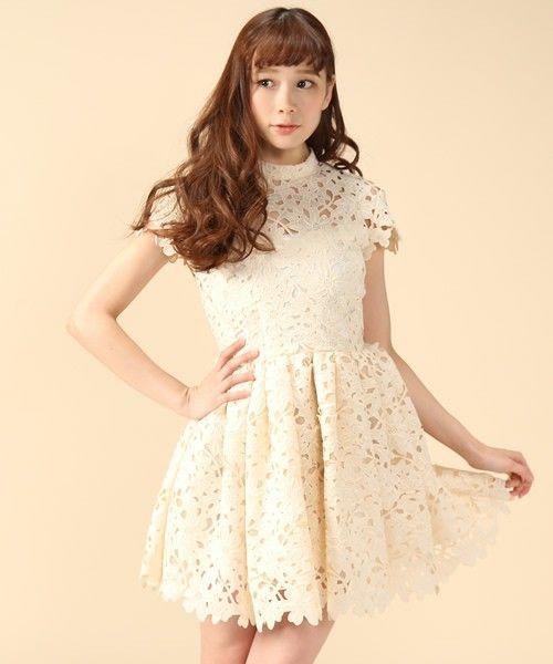 Lily Brown リリーブラウン のケミカルレースフレアドレス ワンピース・ドレス ベージュ 情緒