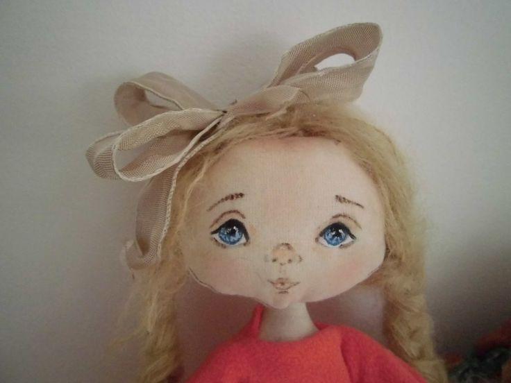 Bambola di stoffa dai biondi capelli ed occhi azzurri, by Dolci Ricordi di Monica Giacconi, 30,00 € su misshobby.com