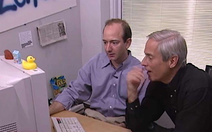 Amazon-Gründer Jeff Bezos im Videoportrait 1999 - Als es noch ein reiner Buchhandel war: https://www.langweiledich.net/amazon-gruender-jeff-bezos-im-videoportrait-1999/