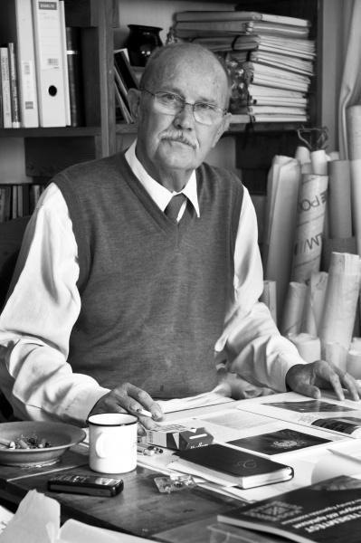 Makovecz Imre (Budapest, 1935. november 20. – Budapest, 2011. szeptember 27.)