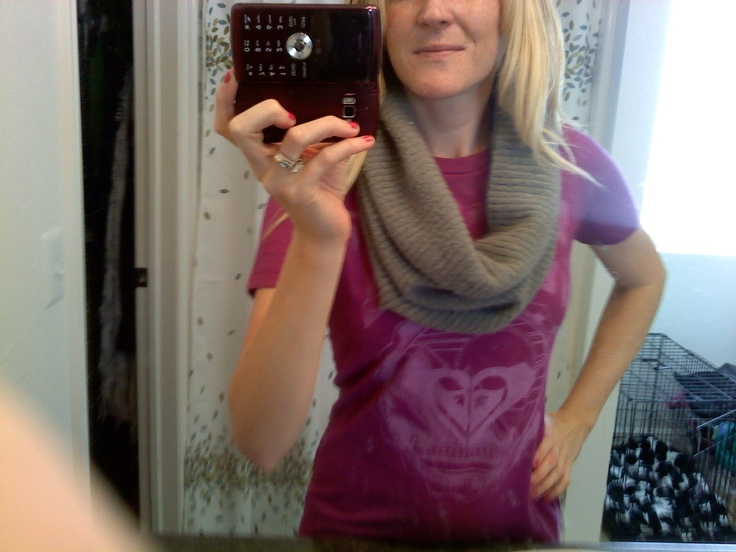 Chunky circle scarf. Used an old sweater shirt from college, cut just under the armpits, stretched it out and pulled it over my head. Easy!Old Sweater