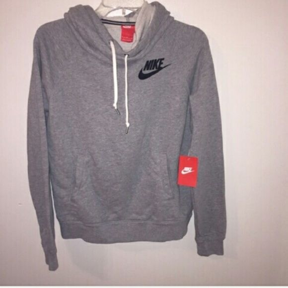 fb1790ca2f9a7 Street Styles on | Nike | Nike sweatshirts, Nike outfits, Clothes