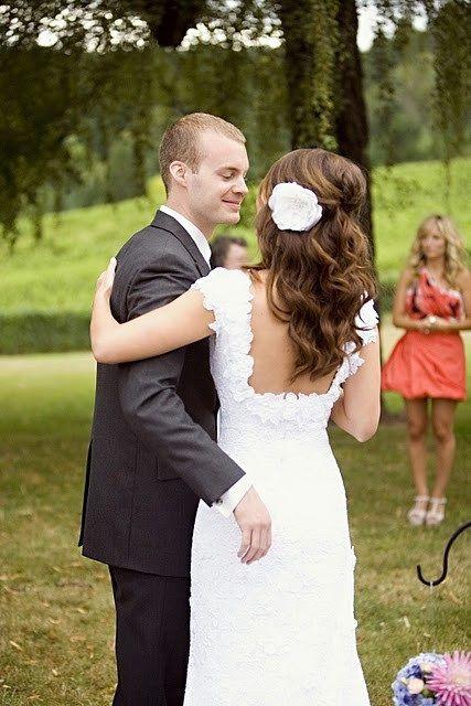 love the hair: Hair Ideas, Hair Flowers, Wedding Hair, Long Hair, Flowers Hair, The Bride, Hair Accessories, Soft Curls, The Dresses
