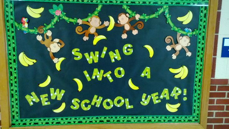my 1st elementary bulletin board.  Welcome back to school.