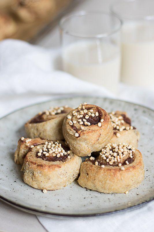 Recept: Nyttiga kanelbullar, raw food-tårta och kanelrutor