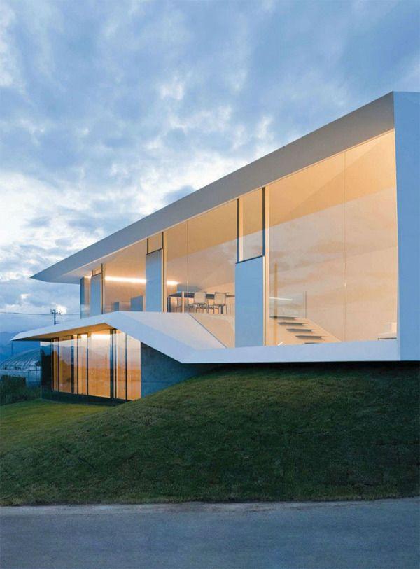 A-House in Yamanashi by Kubota Architect Atelier 5