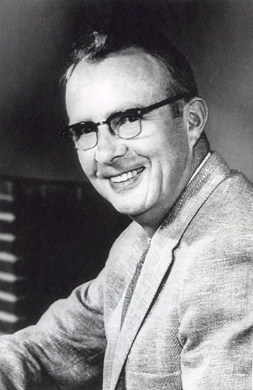 Luis Walter Alvarez 1961.jpg     inventor  won the nobel prize in physics 1968