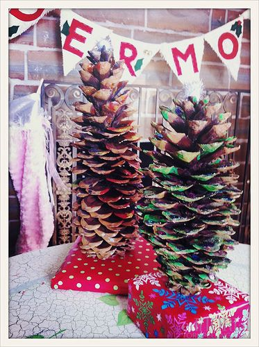 Pinecone Christmas Trees  This craft makes a great holiday decorative piece that's super easy for the kids to make.