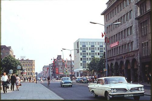 Berlin 1966 Unter den Linden Ecke Friedrichstrasse