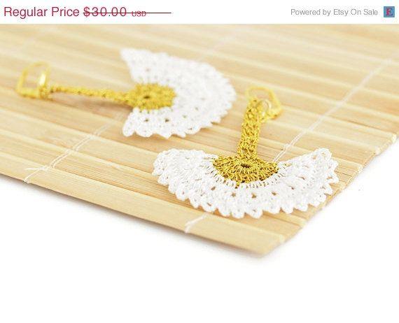SALE Boho Chic Bridal Dangle Earrings Crochet Lace by PinaraDesign, $22.50
