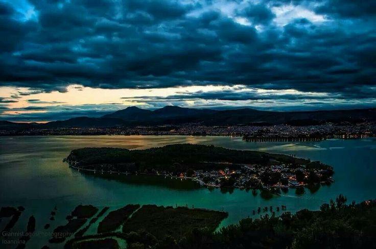 Η πολη των ιωαννινων #ιωαννινα #ηπειρος #νησακι #λιμνη