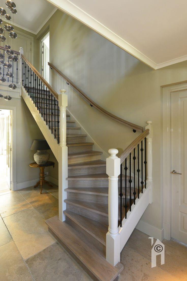Het huis heeft een écht trappenhuis!