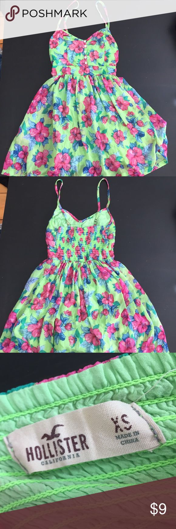 XS lime green flower hollister dress XS SHORT line green hollister dress with flowers! Worn but still cute Hollister Dresses Mini