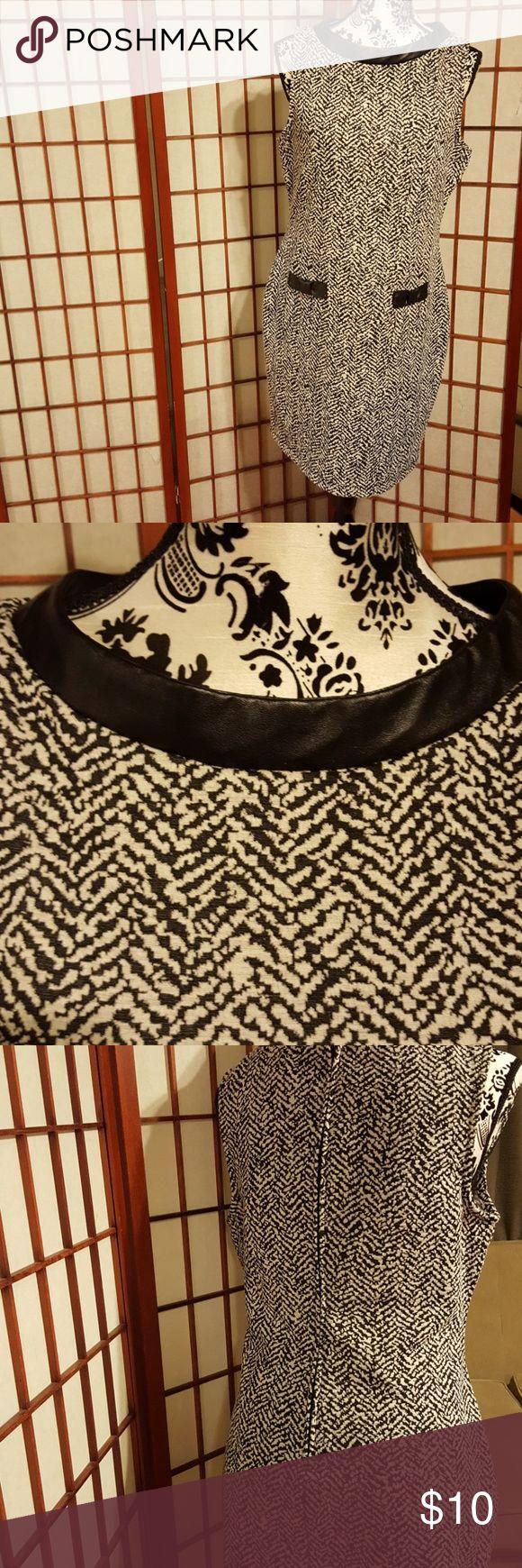 B .Smart drees women size 12 B Smart drees pre loved good condiction B.Smart Dresses Midi
