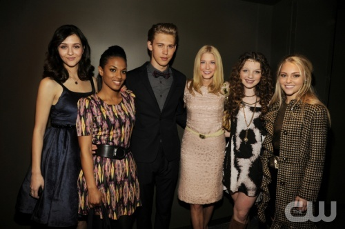Opening night of the New York Television Festival Kicks off with the Red-Carpet World Premiere of The Carrie Diaries, which premieres in January on the CW Network. Pictured (L-R): Katie Findlay, Freema Agyeman, Austin Butler, Execuitve Producer Candace Bushnell, Stefania Owen, and AnnaSophia Robb. Photo: Kevin Mazur/Courtesy Getty Images. © 2012 The CW Network. All Rights Reserved