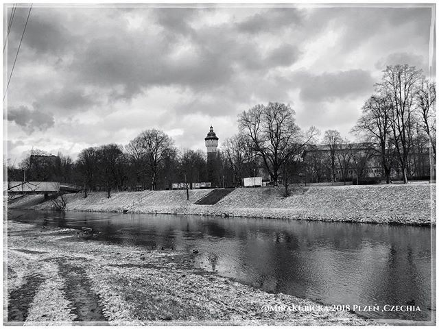 #plzen #pilsen #cesko #czechia #krajina #landscape #nature #river #reka #brewery #pivovar #pilsnerurquel #myphoto #today #visitCzechia #visitcz #visit