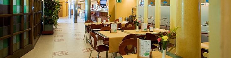 HOTEL 3 ESTRELLAS, EN LAS AFUERAS DE BURGOS, BUENO, BONITO Y ECONOMICO.  www.hotelreyarturo.com