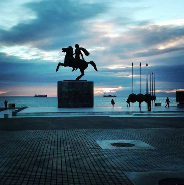 #Great afternoon #alexander#theGreat#glory#history#art#promenade#walk#colours#awesome#sky#skyline#statue#peace#Thessaloniki#tbt❤️#everyday#scenes