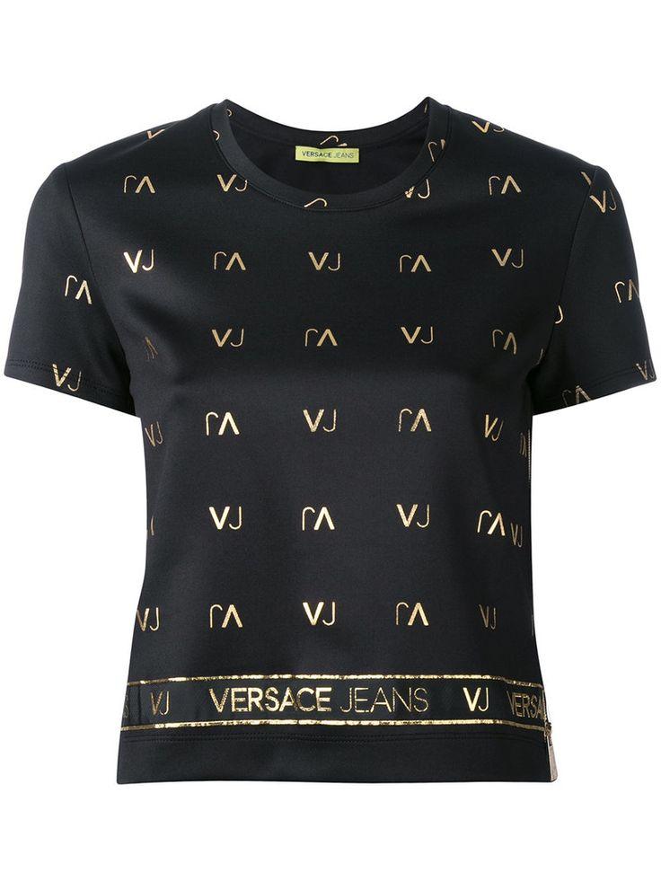 ¡Cómpralo ya!. Versace Jeans - Logo Print Cropped T-Shirt - Women - Polyester/Spandex/Elastane - 42. Black logo print cropped T-shirt from Versace Jeans. Size: 42. Gender: Female. Material: Polyester/Spandex/Elastane. , topcorto, croptops, croptop, croptops, croptop, topcrop, topscrops, cropped, topbailarina, corto, camisolacorta, crop, croppedt-shirt, kurzestop, topcorto, topcourt, topcorto, cortos. Top corto  de mujer color negro de Versace jeans.