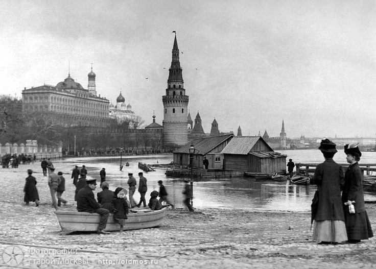 Moscow river bank, end 19th/early 20th century