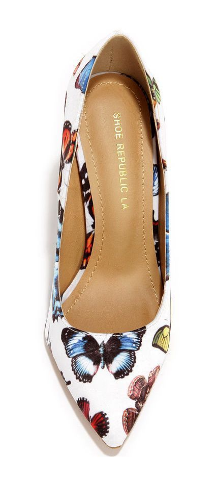 Butterfly Print Pumps ==