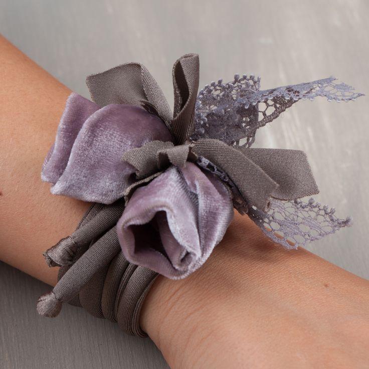Mini Petite Fleur è una decorazione per borse, per chiavi, perfetto anche come bomboniera realizzabile su richiesta in colori diversi