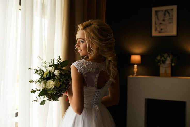 Фото: @alexandr_sasin Невеста: @_tanya_tanyushina_ Макияж, прическа, аксессуары: @haritonova_muah Белье, пеньюар: @murboutique Свадебное платье: @l.bride_wedding_salon Location: @comilfonn Букет невесты, флористика: Королевская Лилия . #wedding #weddingday #weddingdress #inspiration #instagood #nntoday #nnstories #фотографнн #фотосессиянн #feel_wedvibes #сасинфото #nn #nnov http://gelinshop.com/ipost/1521559606877476516/?code=BUdqmagg9ak