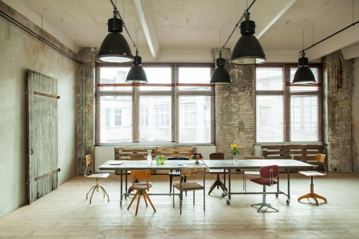 Beautiful industrial loft for your workshops close to Friedrichstraße
