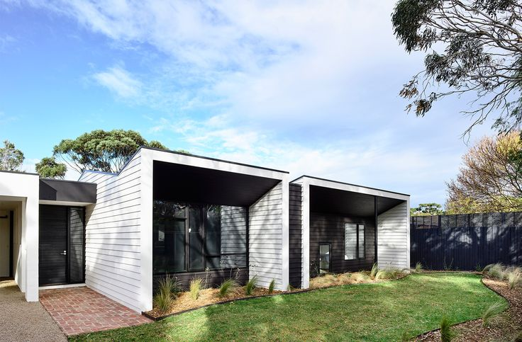 Wolveridge Architects — Courtyard Cottage, Flinders