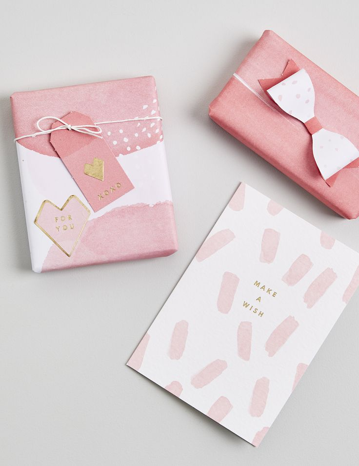 Get a little gift wrapping inspiration with these gorgeous watercolour looks.