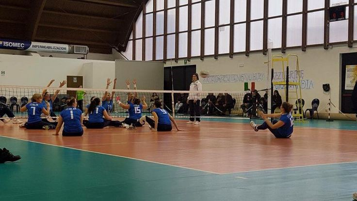 """6 Dicembre: sfida di Sitting Volley tra le nazionali femminili Italia-Slovenia al Palazzetto """"Maurizio Casalini""""."""