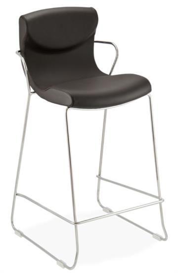Sgabello in metallo con sedile e schienale in pelle