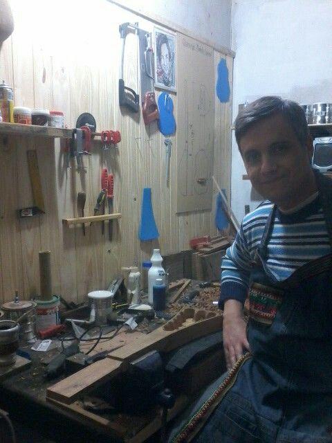 Este soy yo en mi taller de Lutheria