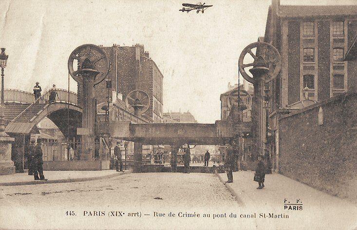 La rue de Crimée au pont du canal Saint-Martin, vers 1900.