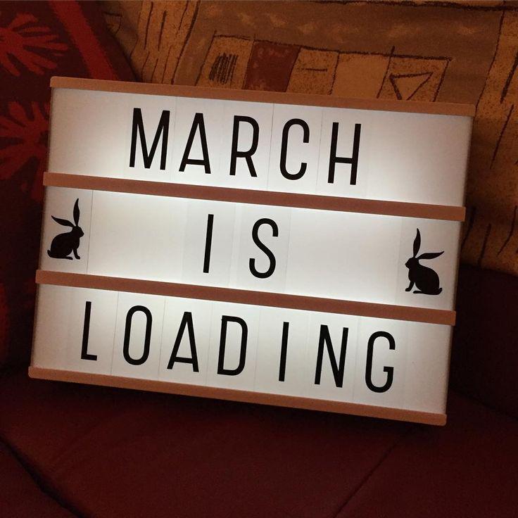 """""""Und auch wenn der Winter überall noch sehr präsent ist, er kommt langsam, der Frühling. #lightbox #littlelovelylightbox #march #spring #märz"""""""
