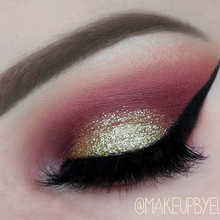 Eline F dons a luxurious sparkle with her glistening purple and gold smokey eye. Nab her makeup loot here.