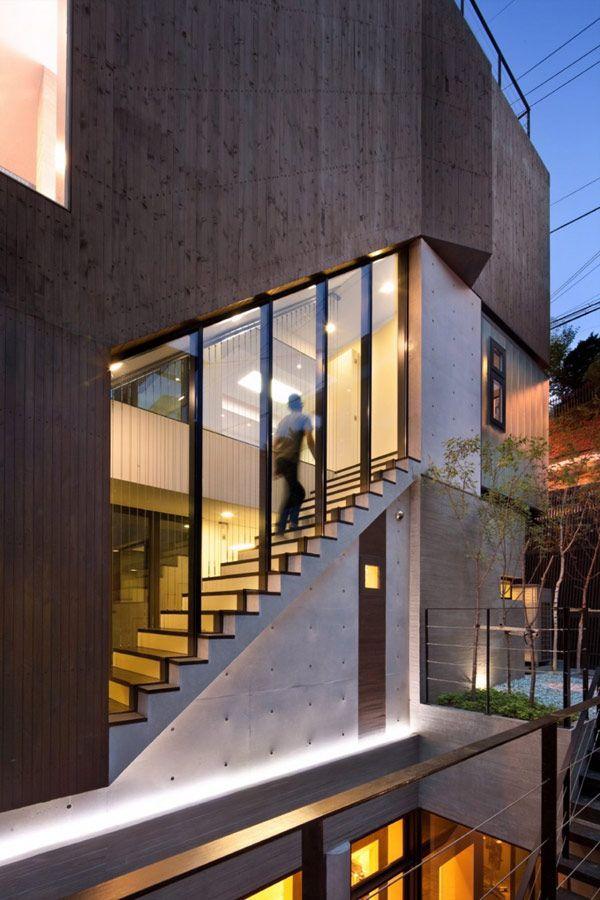 Tres Enormes Niveles en Residencia Familiar Minimalista en Corea del Sur: Casa H