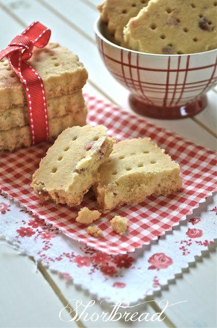 I dolci nella mente: Shortbread con fragole disidratate
