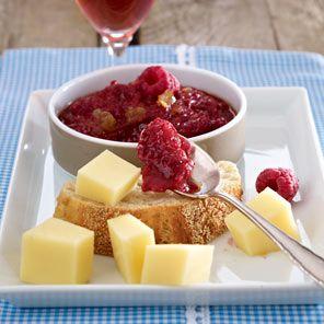 Rhabarber-Chutney zu Käse