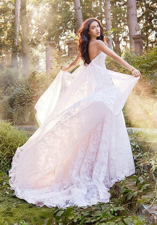 Ivory Dogwood Tuileries organza gown, strapless curved neckline, natural waist, watteau detachable train | Jim Hjelm | https://www.theknot.com/fashion/8556-jim-hjelm-wedding-dress